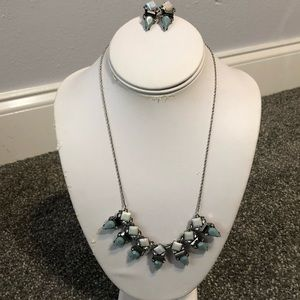 Loft matching necklace and earrings set adjustable